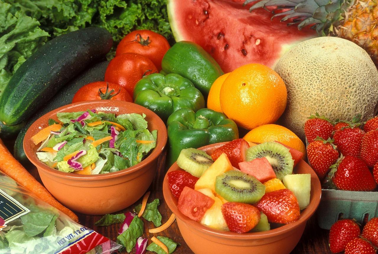 Фруты и овощи богатые водой