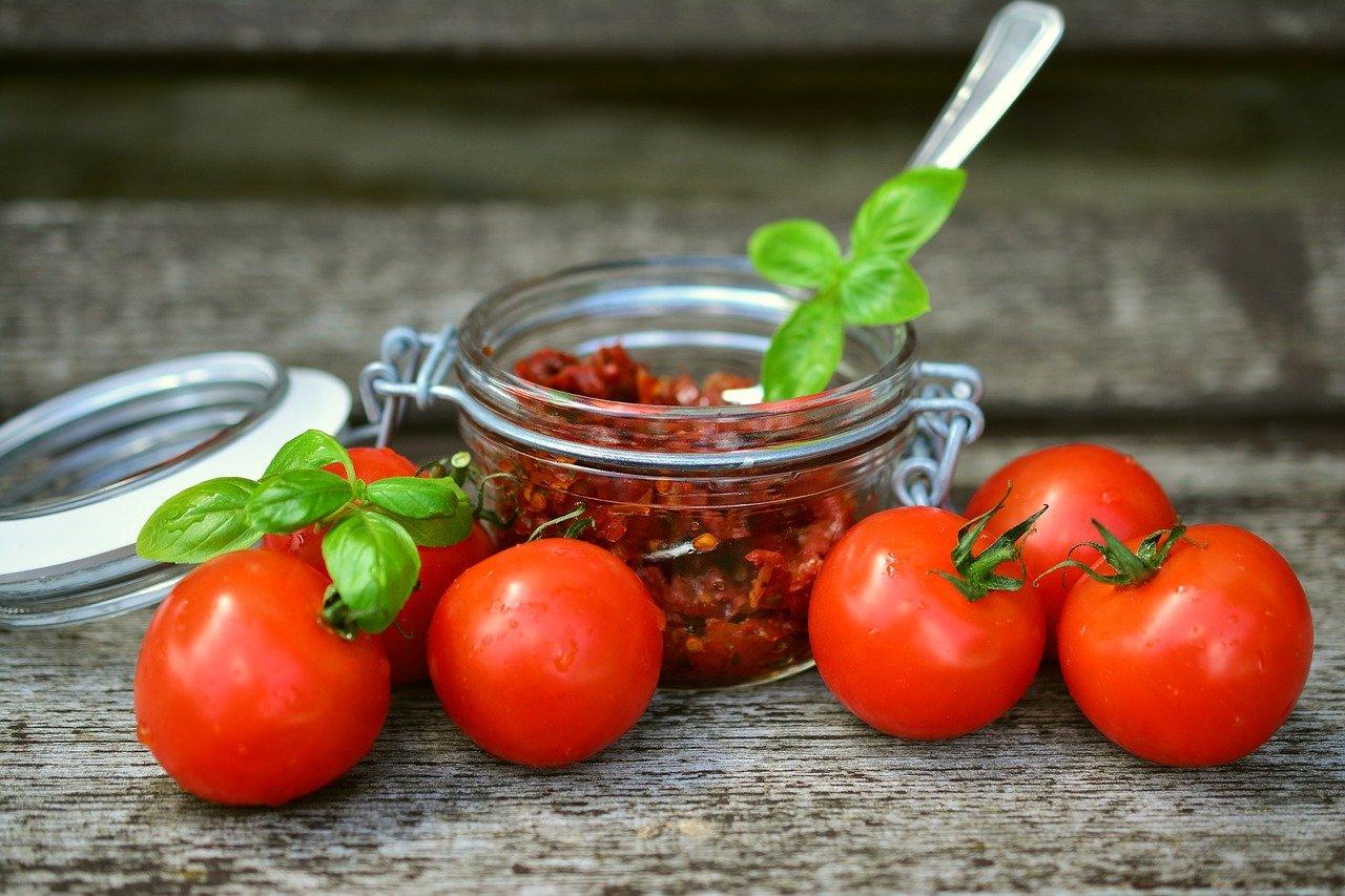 Заправка из вяленых помидор