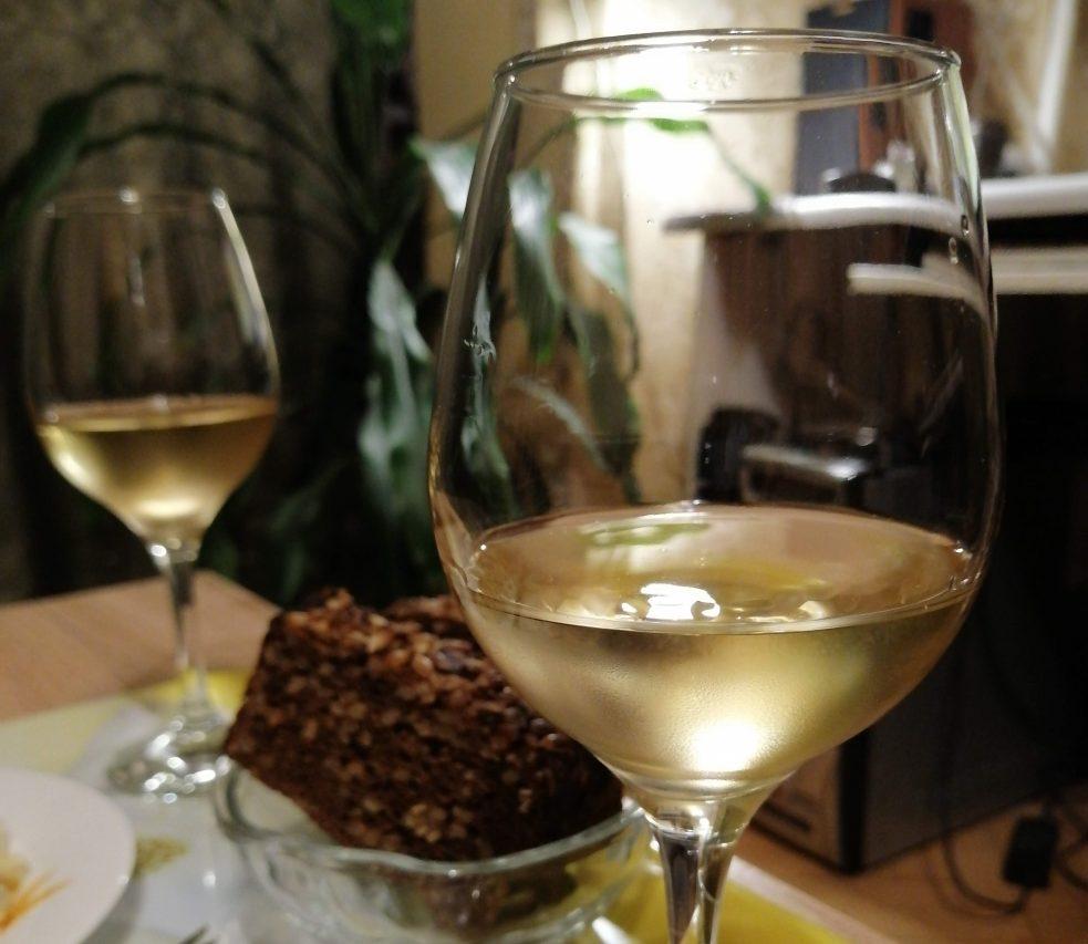 Домашнее вино из белого винограда Платовский